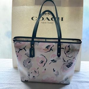 COACH TOTE PINK GRAY WHITE BLACK ROSES